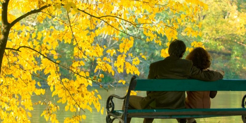 Mindfulness and multitasking: A couple on a bench