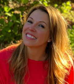 Monica Bloom is an ayurvedic practitioner and author.