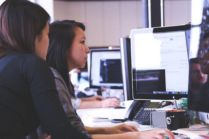 Create Global eLearning - Woman working
