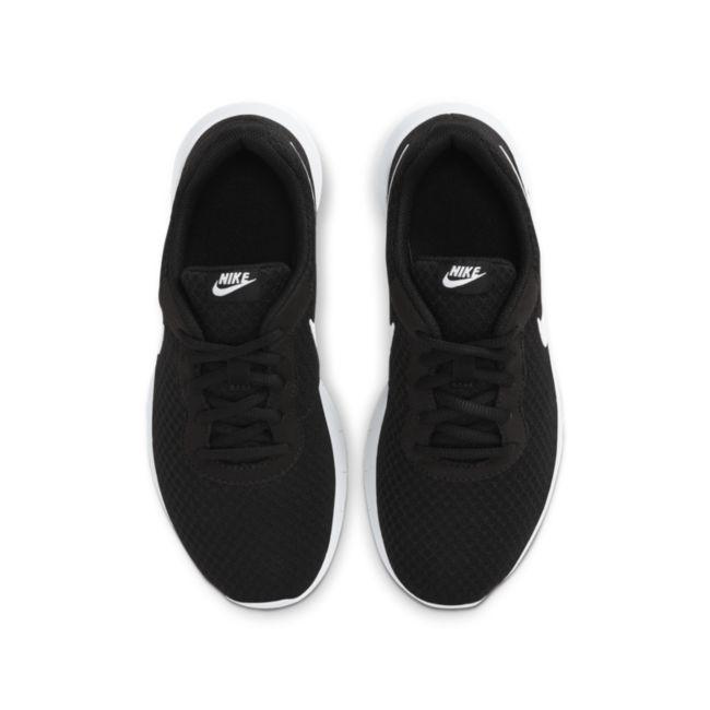 Nike Tanjun 818381-011 02