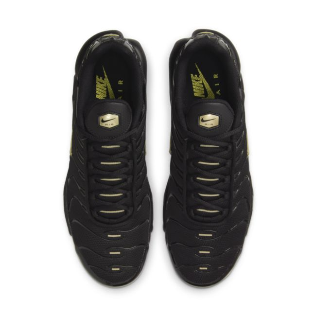 Nike Air Max Plus DC4118-001 02