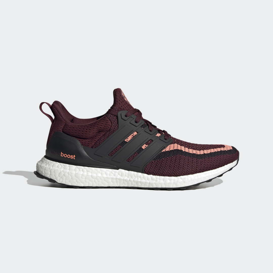 adidas Ultra Boost DNA x Manchester United FZ3620 01