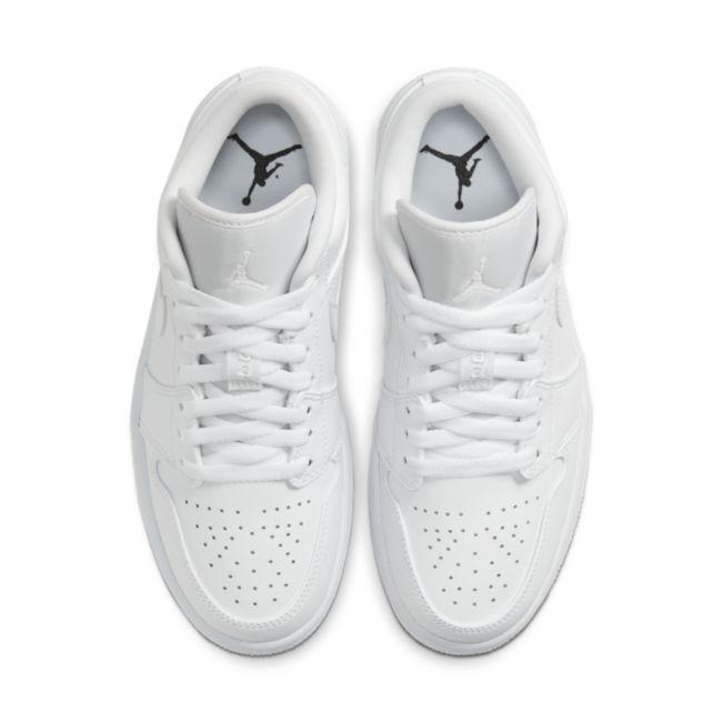 Jordan 1 Low AO9944-111 02