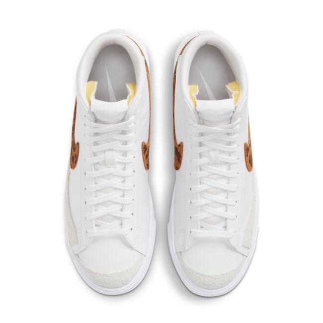 Nike Blazer Mid '77 SE  DA8736-101 02