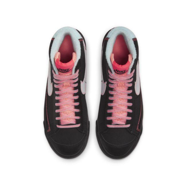 Nike Blazer Mid '77 DD7710-001 02