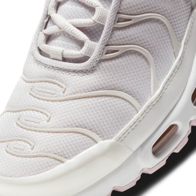 Nike Air Max Plus DD6612-001 03