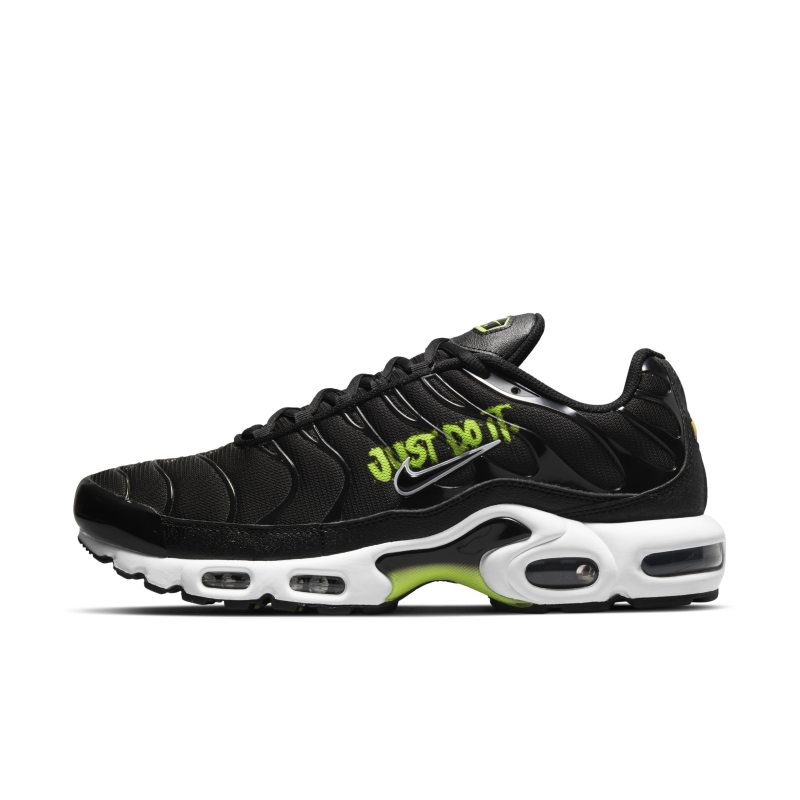 Nike Air Max Plus DJ6876-001 01