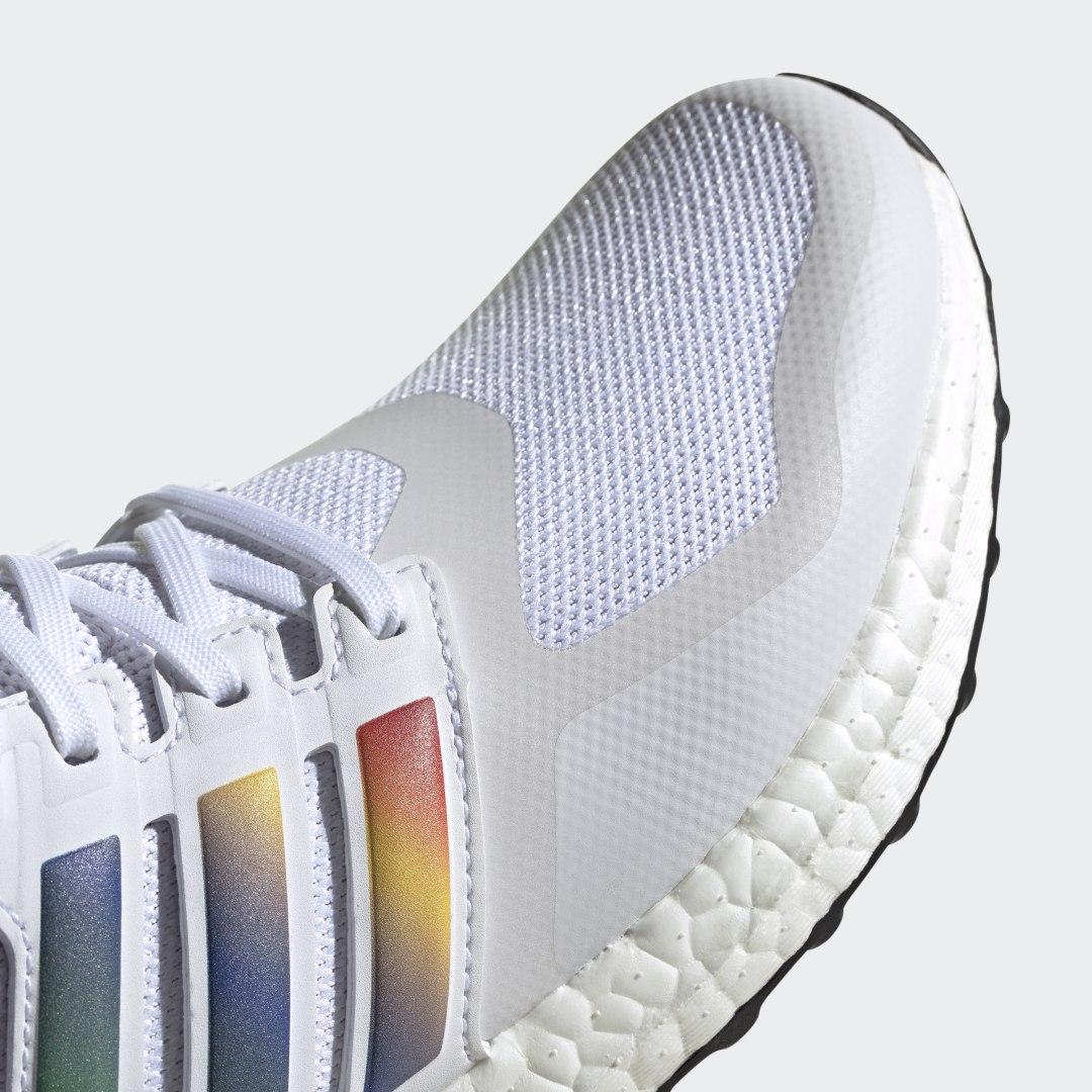 adidas Ultra Boost DNA FV7014 04
