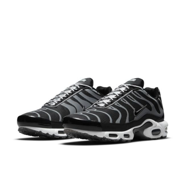 Nike Air Max Plus DM2466-001 02