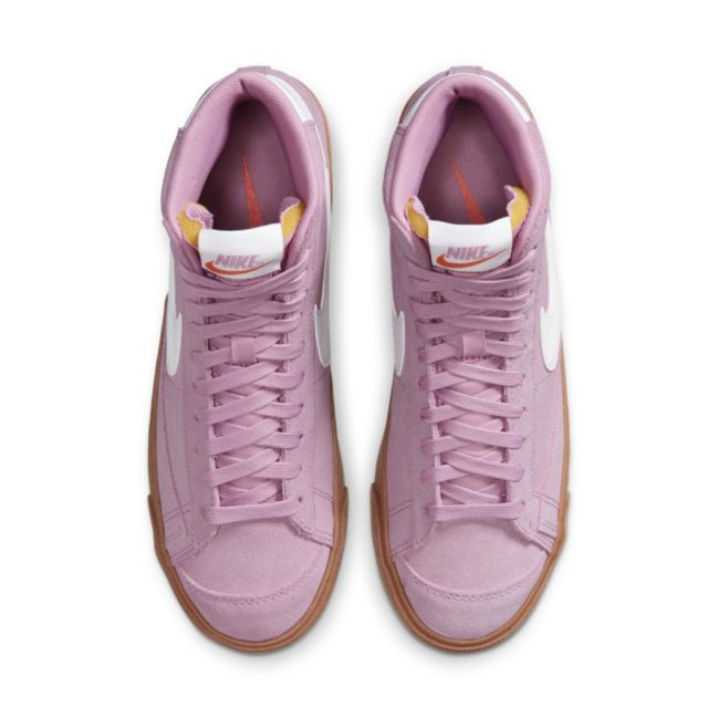 Nike Blazer Mid '77 DB5461-600 02