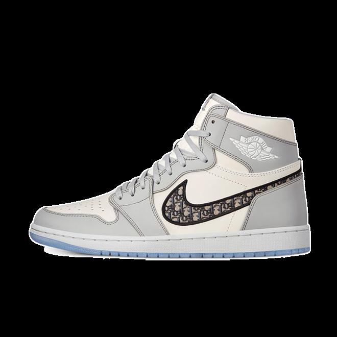Jordan 1 High x Dior CN8607-002 01