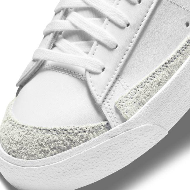 Nike Blazer Low '77 DC4769-103 03