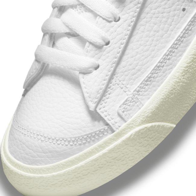 Nike Blazer Low '77 DM8689-100 03