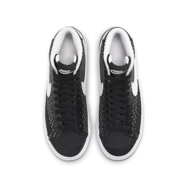 Nike Blazer Mid '77 DC9197-001 02