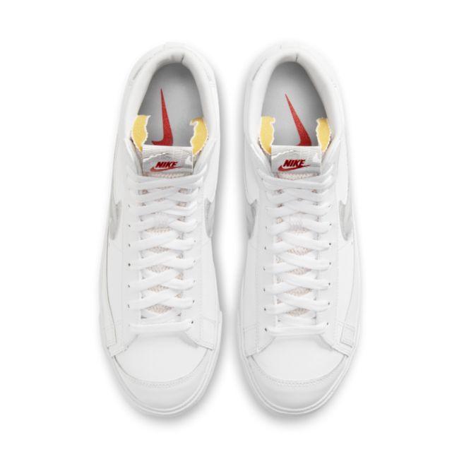Nike Blazer Mid '77 DH3985-100 02