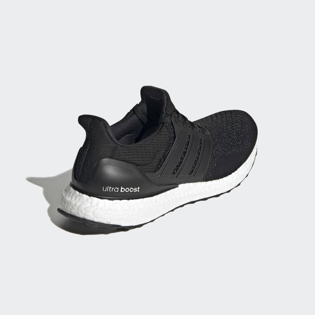 adidas Ultra Boost AQ5561 02