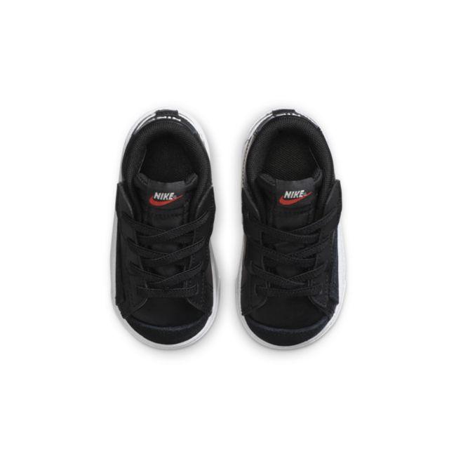 Nike Blazer Mid '77 DA4088-002 02