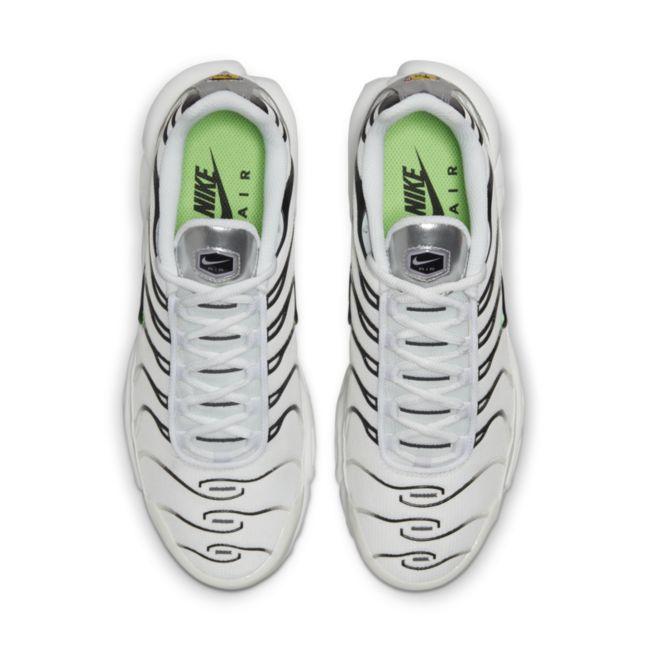 Nike Air Max Plus DN6997-100 02