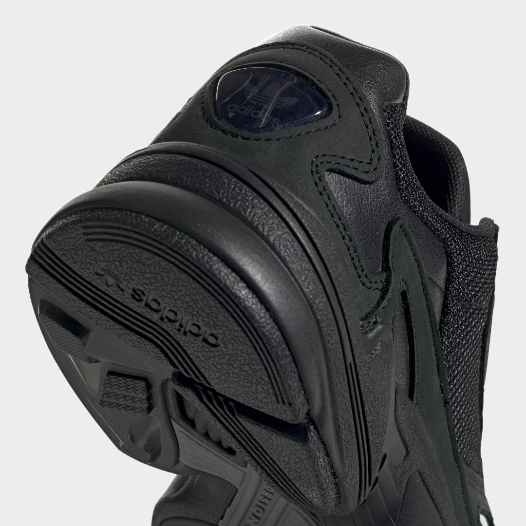adidas Falcon G26880 05