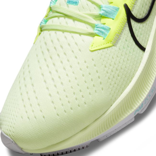 Nike Air Zoom Pegasus 38 CW7358-700 03