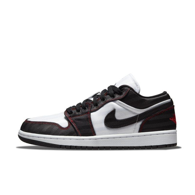 Jordan 1 Low SE