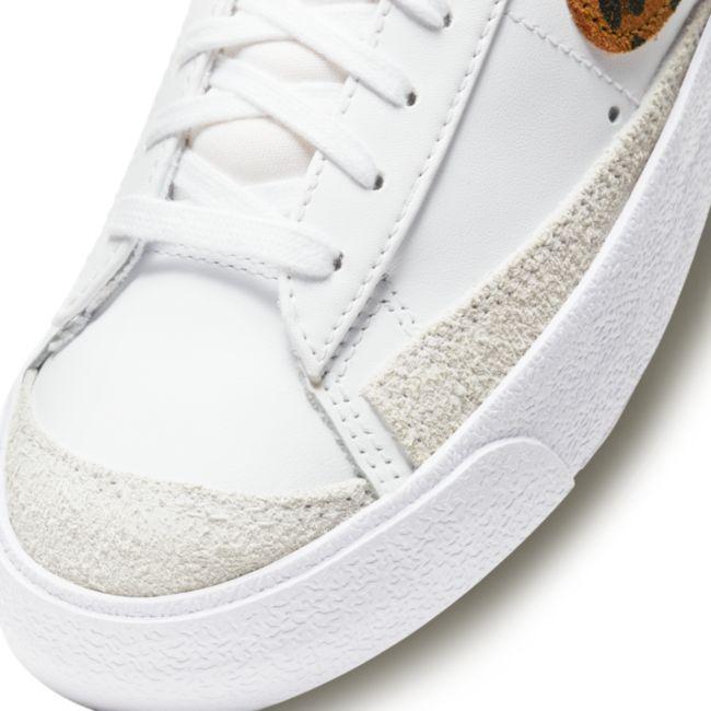 Nike Blazer Mid '77 SE  DA8736-101 03