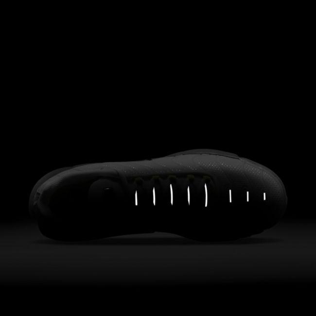 Nike Air Max Plus DB0682-002 02