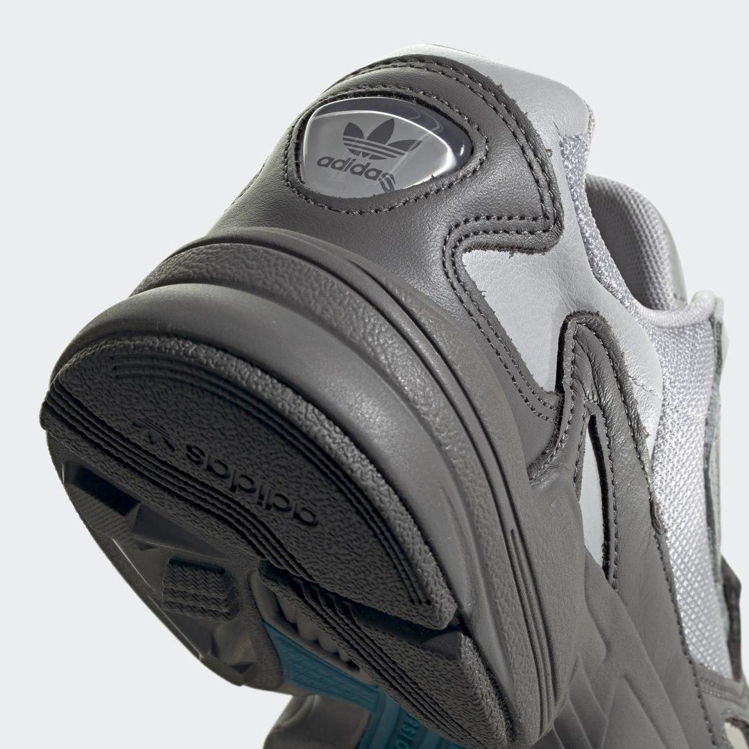 adidas Falcon EE5115 05