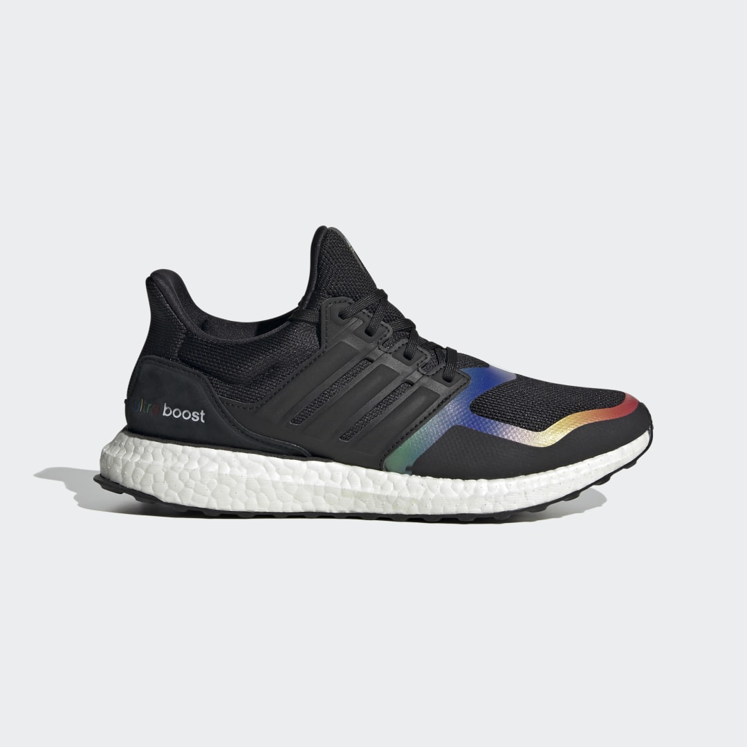 adidas Ultra Boost DNA FV7015 01