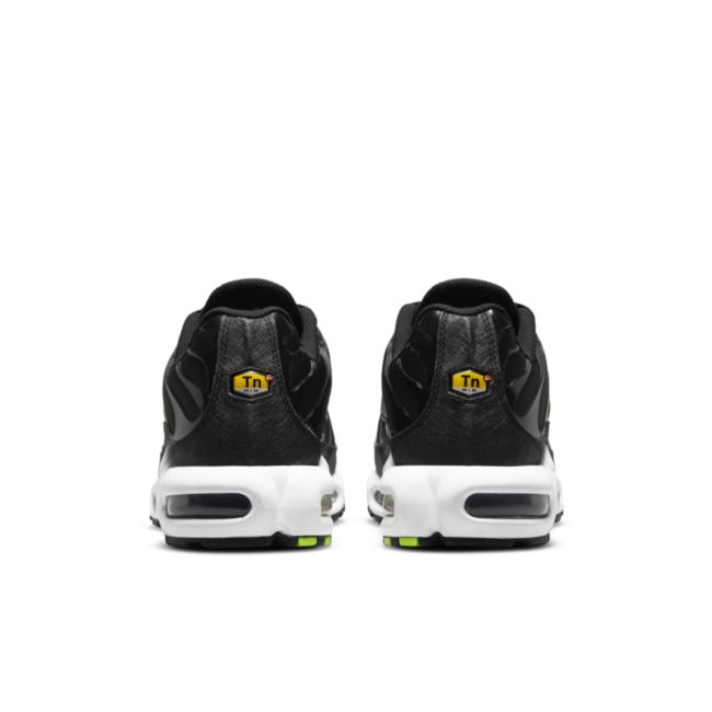 Nike Air Max Plus DJ6876-001 04