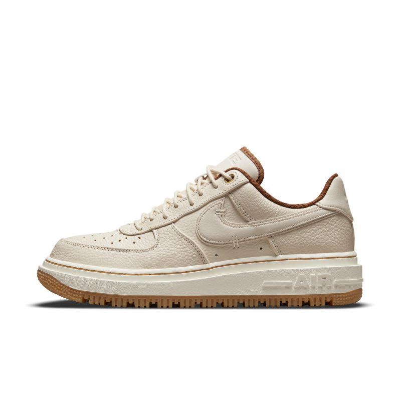 Nike Air Force 1 Luxe DB4109-200 01