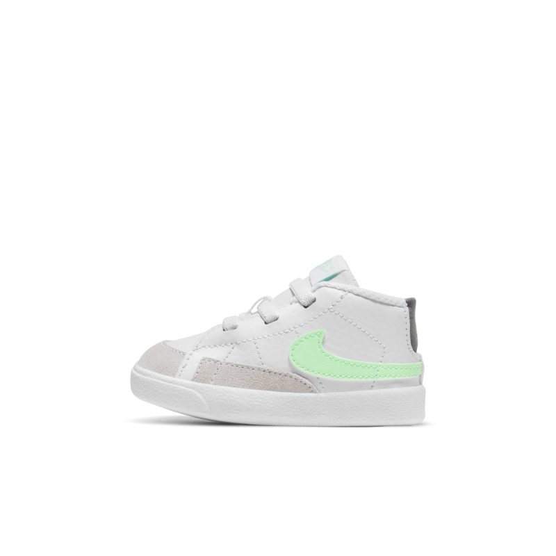 Nike Blazer Mid DA5536-101 01