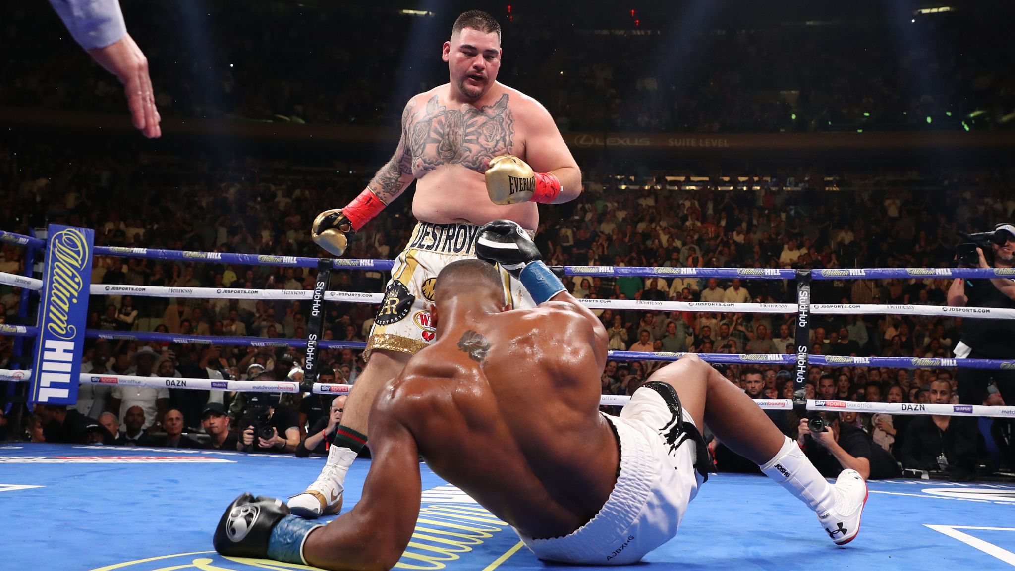 THE KING HAS LOST HIS CROWN; ANTHONY JOSHUA KNOCKED OUT!