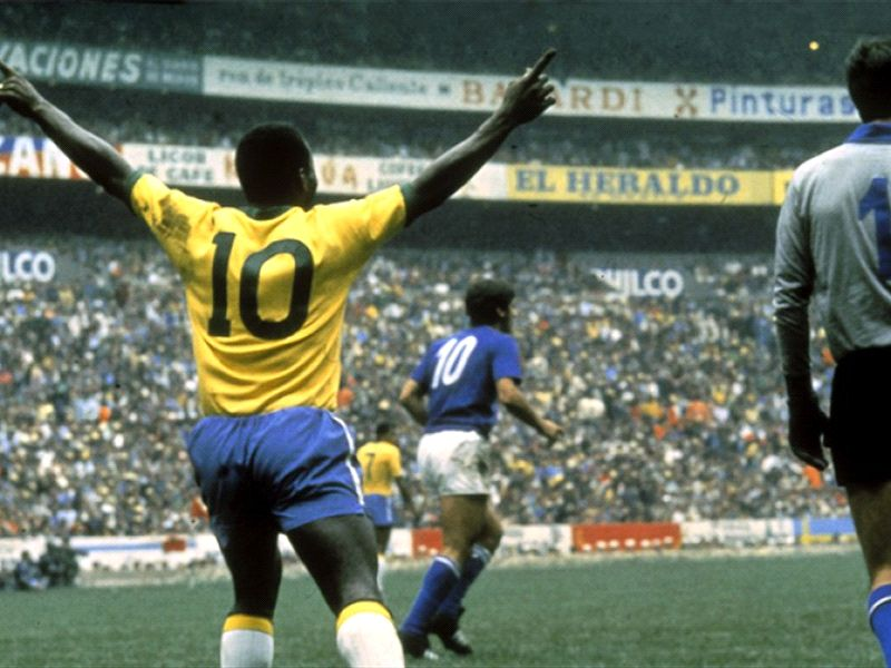 PELE MAKES JERSEY NUMBER 10 ICONIC, BUT BY CHANCE