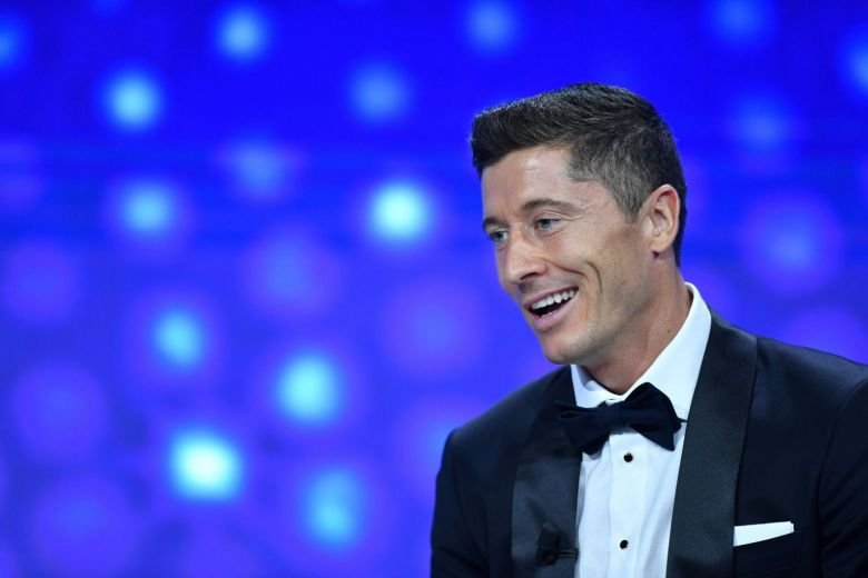 LEWANDOWSKI IS UEFA MEN'S PLAYER OF THE YEAR