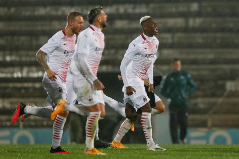 AC MILAN WIN 24-PENALTY SHOOTOUT TO REACH EUROPA LEAGUE GROUP STAGE