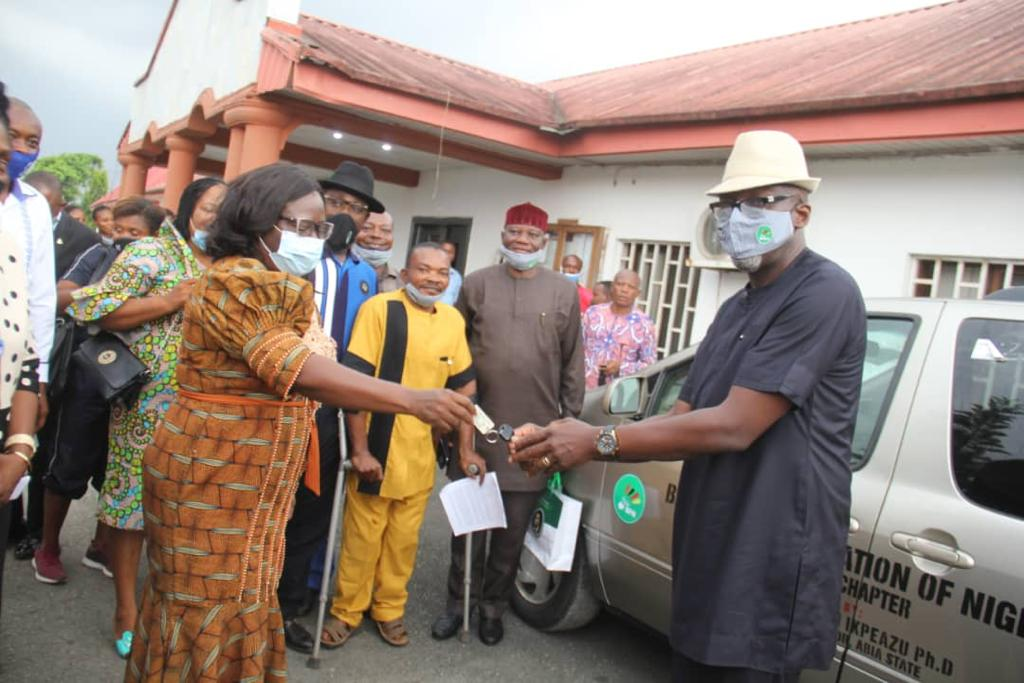 ABIA's FIRST LADY DONATES VAN, PLEDGES SUPPORT FOR PARA BADMINTON