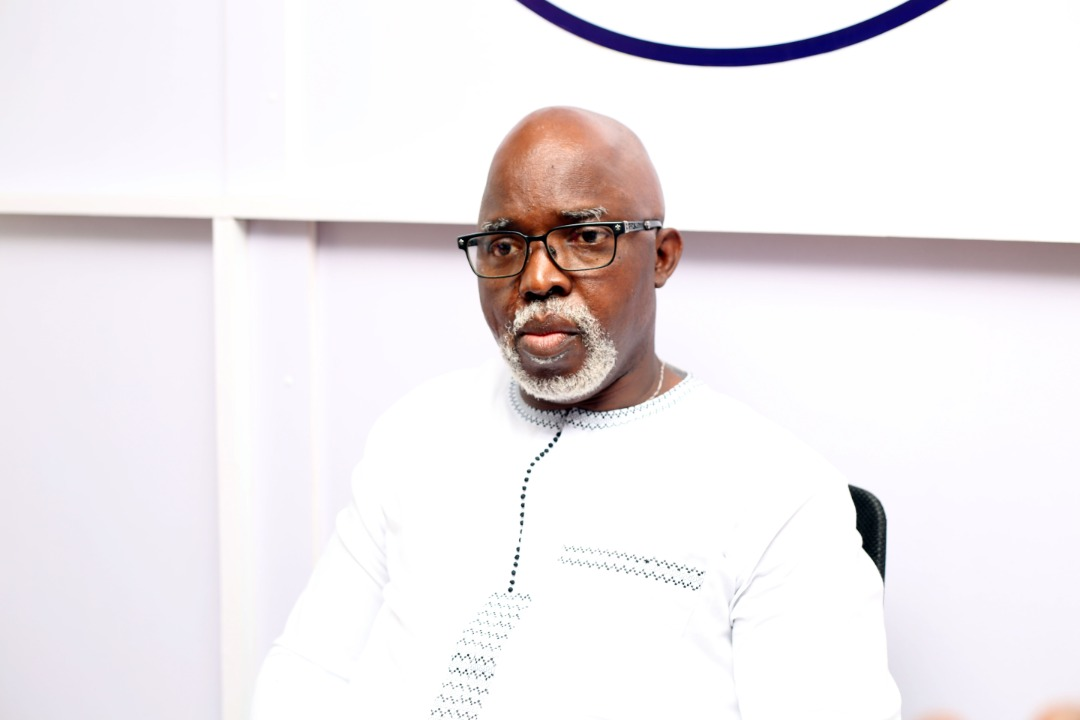 PINNICK GIVES SPORTING FACILITIES TO ALMA MATER, HUSSEY COLLEGE
