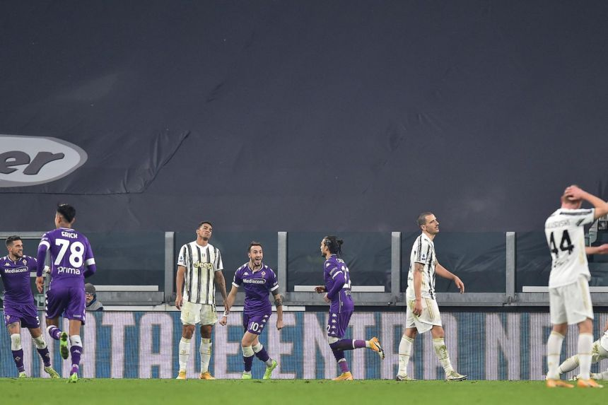 TEN-MAN JUVE CRASH TO FIRST SERIE A DEFEAT OF SEASON AGAINST FIORENTINA