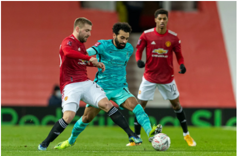 FERNANDES' FREEKICK SEALS FA CUP CLASSIC FOR MANCHESTER UNITED