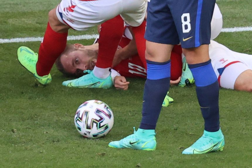 Ex-players Schmeichel, Laudrup criticise Uefa after Eriksen's collapse