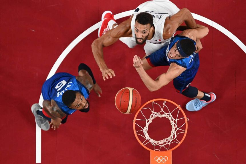 US men fall to France in first basketball loss since 2004