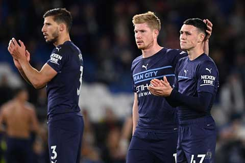 Foden double inspires Man City to 4-1 win at Brighton