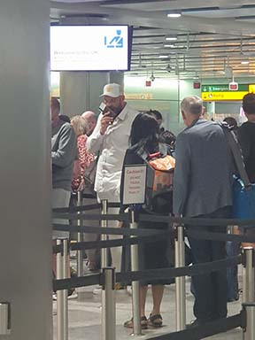 No special treatment for Tyson Fury at London airport as he returns to England