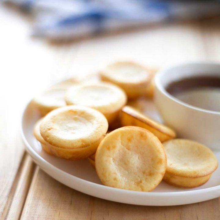 Oven Baked Pancake Bites with Whisky Maple Syrup. They look like cupcakes and taste like pancakes. The perfect treat for breakfast.