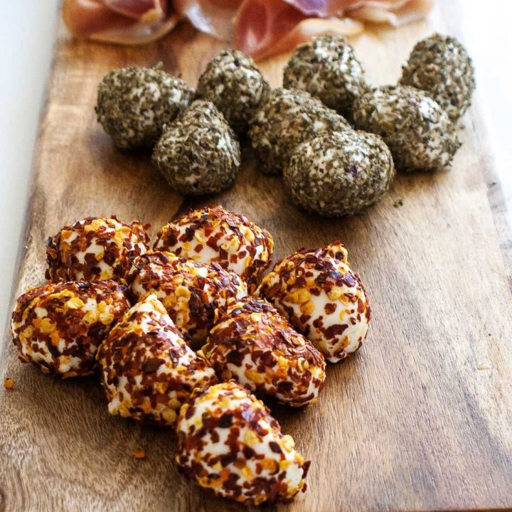 Delicious soft mini mozzarella balls covered in spicy chilli and aromatic oregano. Perfect for a Saturday afternoon sharing platter.