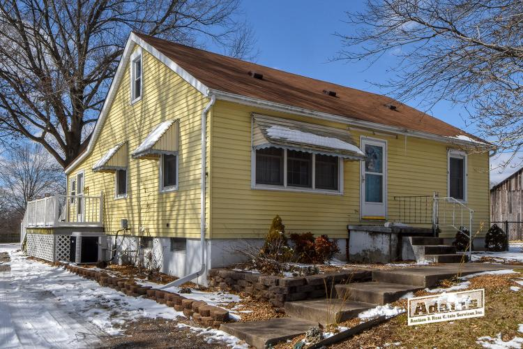 2509 Old Collinsvil..., Belleville, IL, 62226