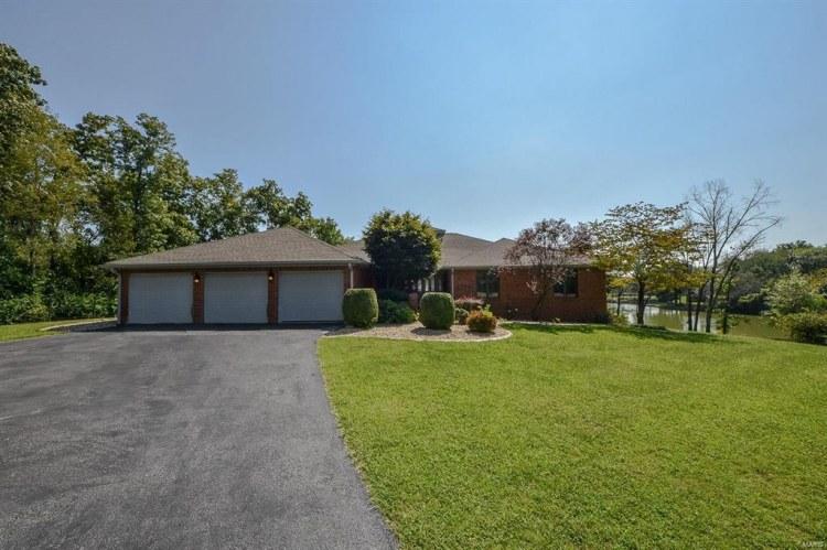 34 Algonquin Drive, Millstadt, IL, 62260
