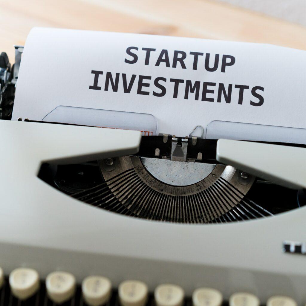 una máquina de escribir para desarrollar startups en América Latina