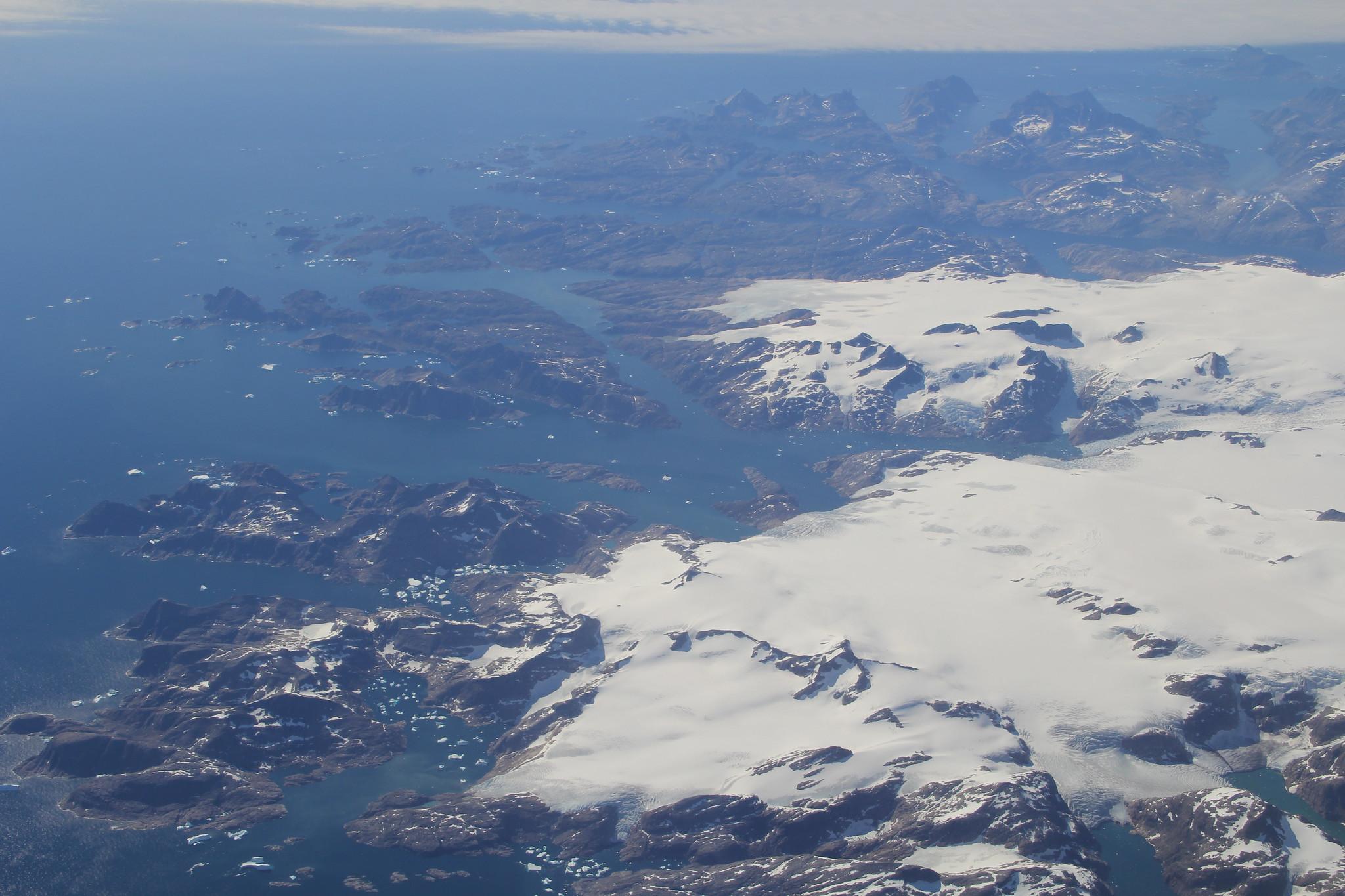 隨著熱浪往北移動,格陵蘭冰層逐漸融化 圖╱Terry Feuerborn (CC BY-NC 2.0)